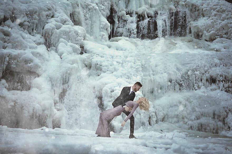 Как си представяте перфектната годежна фотосесия? Може би хубав залез?