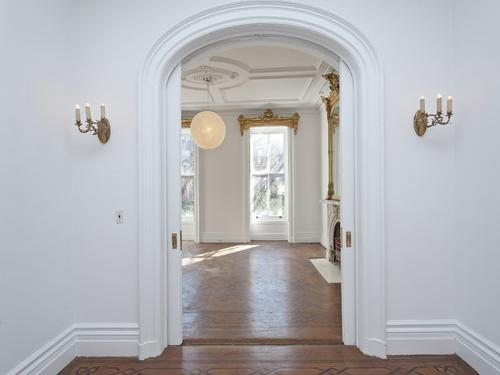 Как изглежда наистина апартаментът на Кари Брадшоу