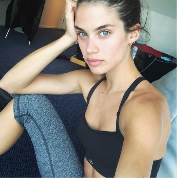 Ето как изглеждат Моделите на Victoria's Secret без грим