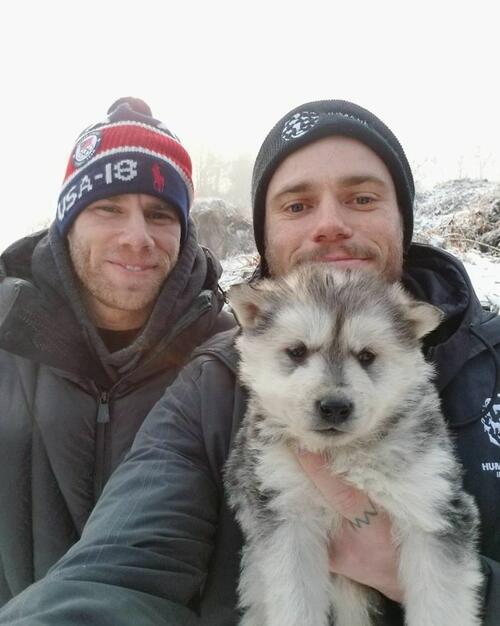 Американски скиор спасява 90 кучета от корейска ферма за кучешко месо