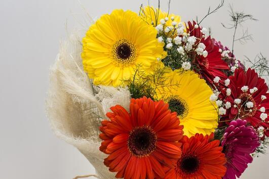Как да изберете перфектния букет цветя за всяка жена в живота ви