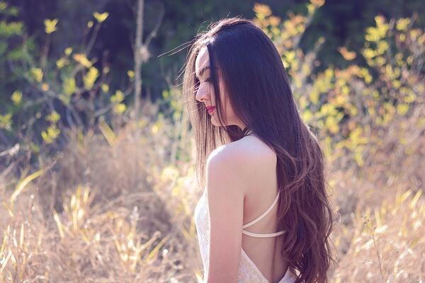 Кои са най-добрите витамини за дълга и сияйна коса?