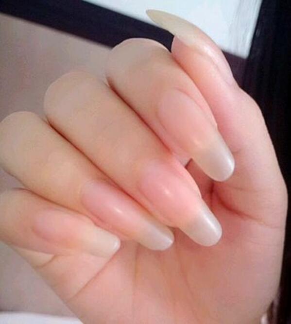 Край на изядените нокти! Метод за светкавично растящ маникюр