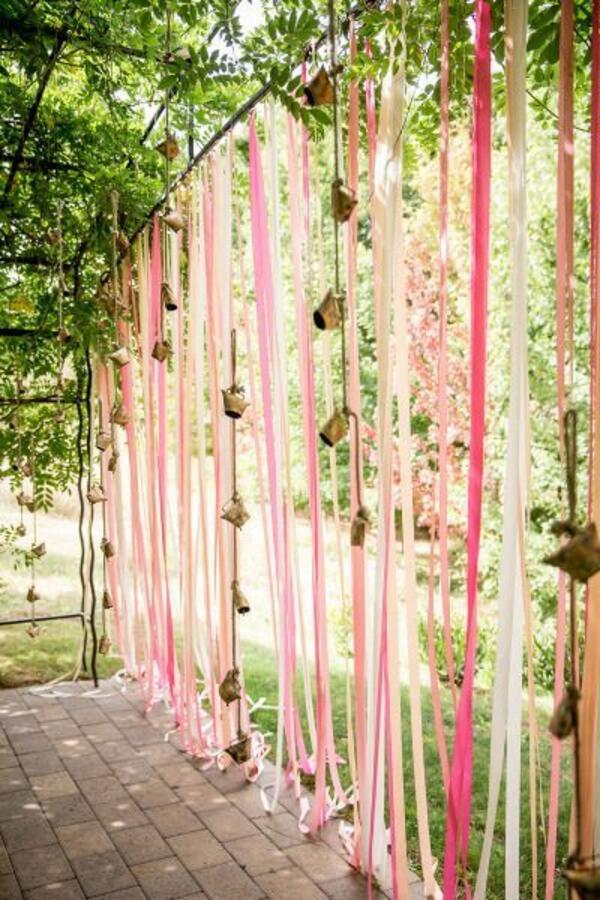 Лесна и красива украса за градината за вашето специално събитие
