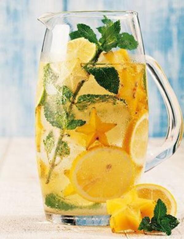 7 причини да пием топла вода с лимон