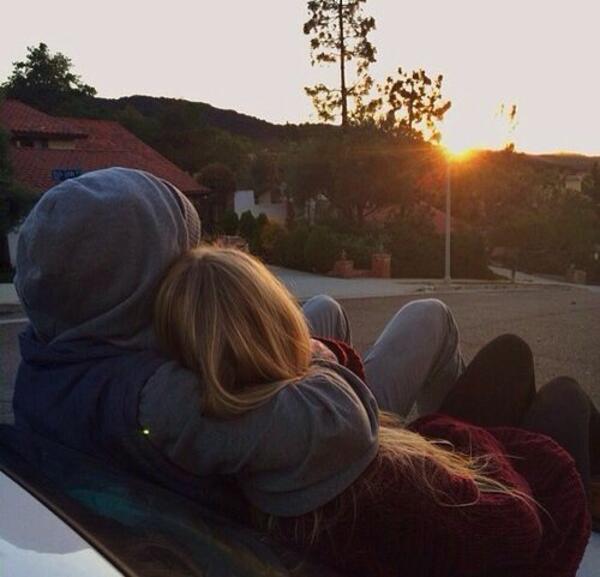 Как да не бъдем обсебващи и ревниви във връзката си?