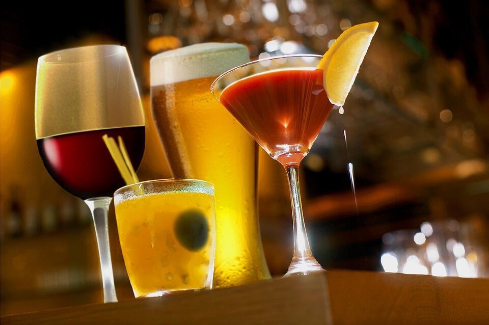 Най-популярните коктейли съдържат алкохол и много калории. Ето защо алкохолът