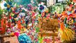3 тона пластмаса, превърната в цветна гора в Мексико сити
