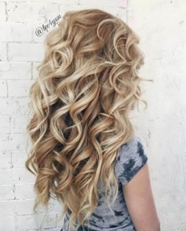 Как да си направим перфектни къдрици само с преса за коса?