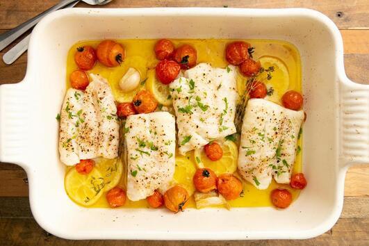 Вкусна печена риба Треска