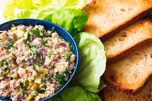 Най-вкусната салата с риба тон