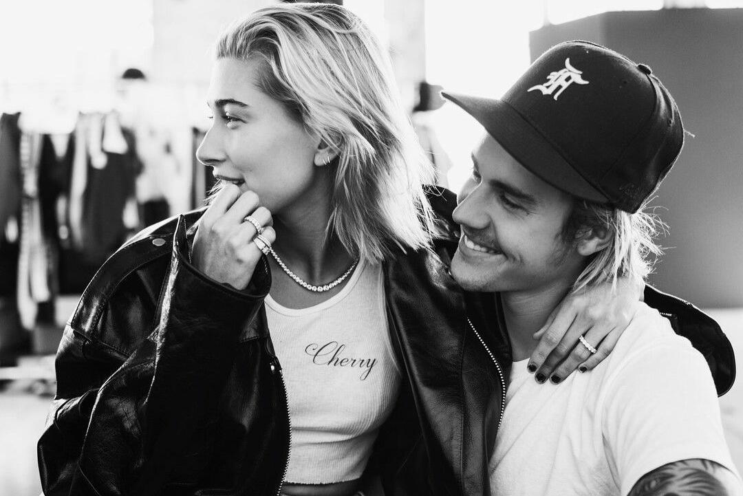 Канадският поп изпълнител Джъстин Бийбър потвърди годежа си с племенницата