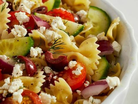 Гръцка салата с паста