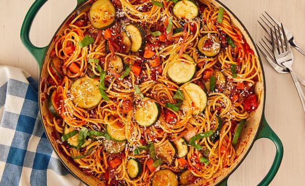 Вкусни спагети със зеленчуци