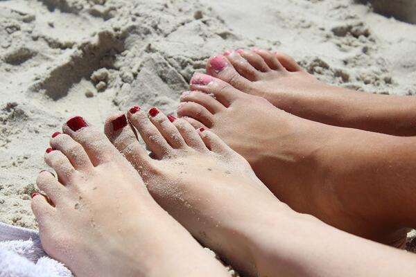 Как да се грижим за кожата и косата си през лятото?