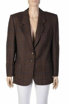 Защо да изберем карирано сако?