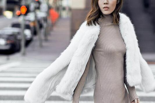 Макси роклята, любима дреха от гардероба на градското момиче