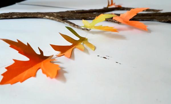 Как да си направите красива есенна декорация за дома от картон? (ВИДЕО)