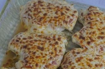 Сосът с 4 сирене е любим на много хора и