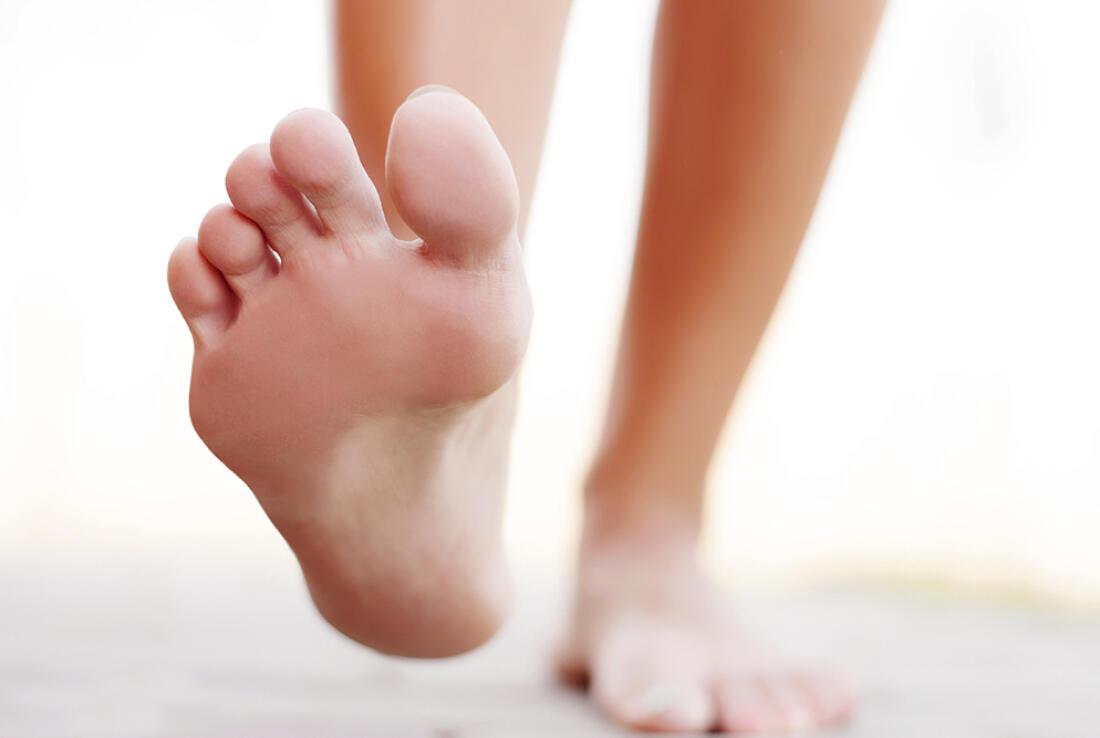 Гъбичките по краката представляват вид упорита и неприятна инфекция, която