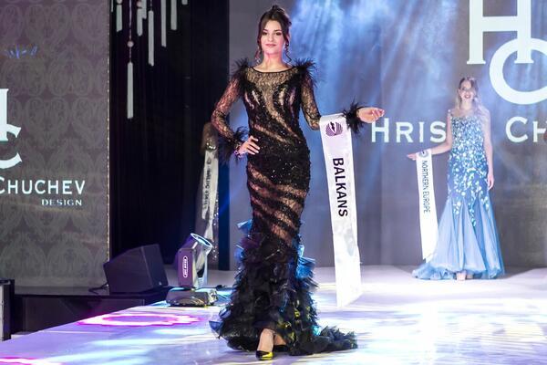 Цвети Разложка награди най-красивите жени от конкурса Lady Universe 2018