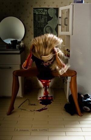 Барби - булимичка, алкохоличка, безотговорна майка