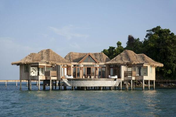 Крайбрежен оазис на частен остров